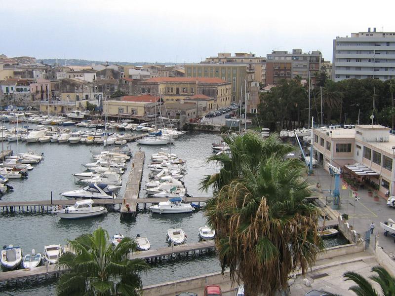 Nuovo water-front Porto Piccolo - Sicilia